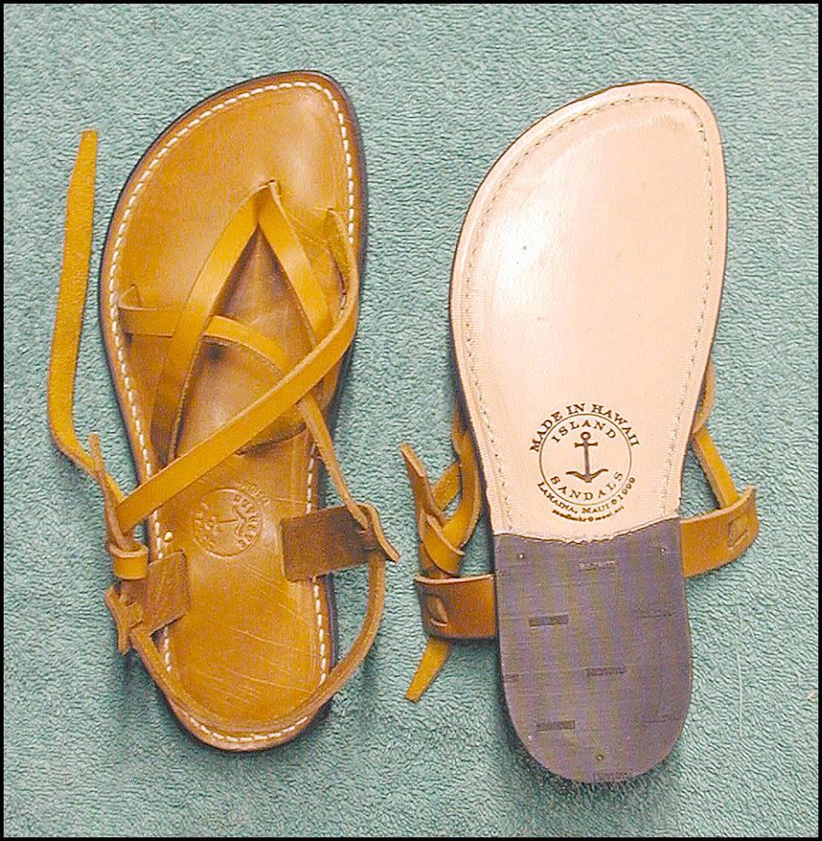 Model Made Of 100% CALF LEATHERBy Versace 1969 Abbigliamento Sportivo Srl Milano Italia  Details B1699 VITELLO TAUPE  Color Taupe  Composition